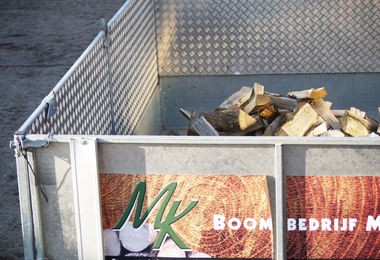 Gestort brandhout - 1m³ halfdroog zachthout